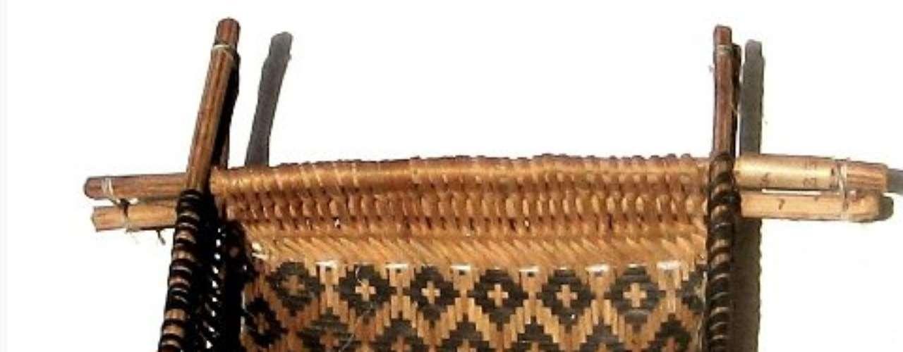 Peneira usada pela tribo Sateré-Mawé, da Amazônia, para extrair o caldo do açaí