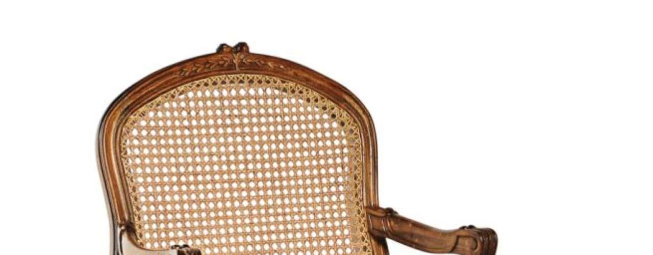 As cadeiras de palha são um clássico da decoração nacional e têm aquele ar de casa da avó