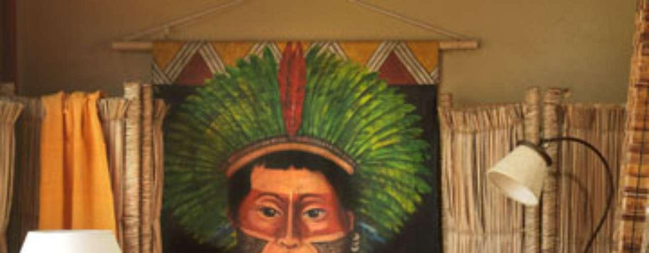 Artesanato sofisticado, o quadro de temática indígena é produzido no Brasil. À venda no Depósito Santa Fé. Informações: (11) 3031-2270