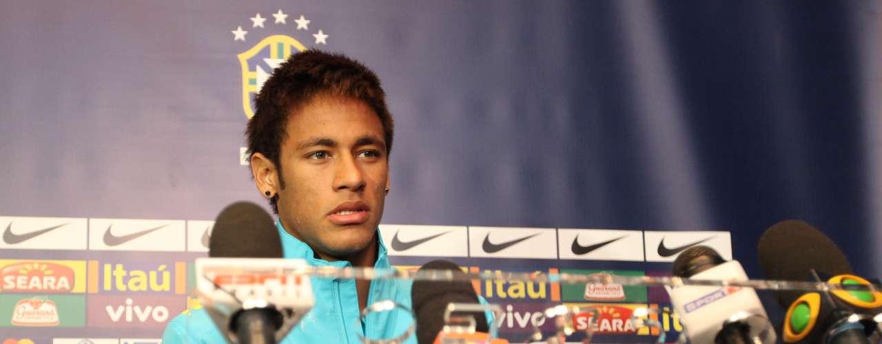 Neymar foi convocado para enfrentar a Colômbia às 22h30 (de Brasília) nesta quarta e, depois, pegar a Argentina em Buenos Aires