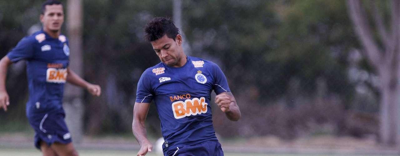 O atacante Wallysonsaiu do Cruzeiro e é reforço do São Paulo para 2013