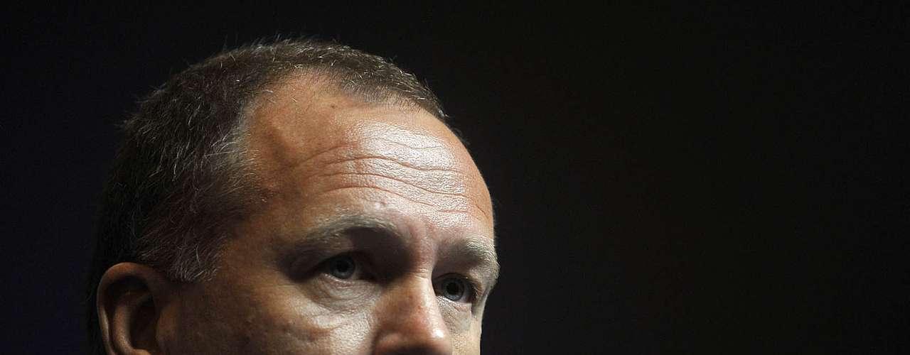 Depois de mais de dois anos no comando da Seleção, o técnico Mano Menezes acabou demitido da Seleção Brasileira. O treinador, que acumulou insucessos na Copa América e nos Jogos Olímpicos, nunca foi o nome de preferência do presidente da CBF, José Maria Marin. Acompanhe imagens da trajetória do treinador pela Seleção: