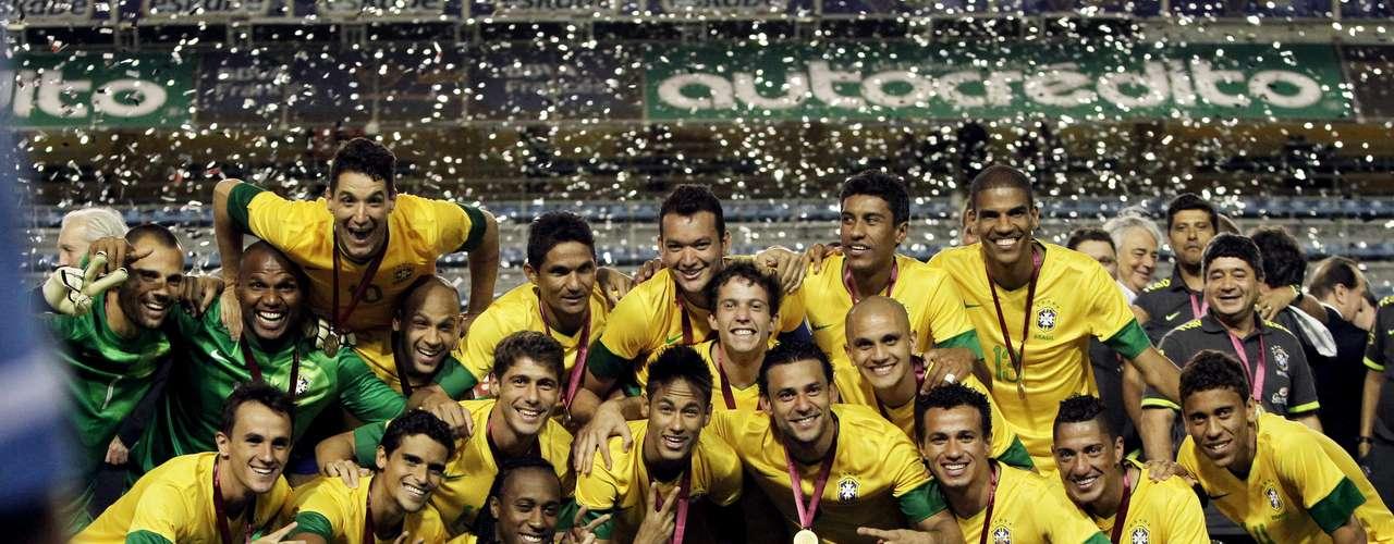 21 de novembro de 2012: assim como aconteceu em 2011, a Seleção Brasileira, formada por jogadores que atuam em clubes nacionais, acabou conquistando o título sobre a Argentina, se sagrando bicampeã do Superclássico das Américas