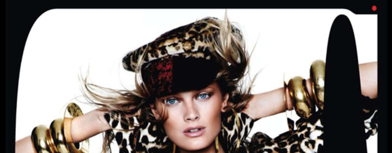 O animal print também surgiu no look da top Constance Jablonski