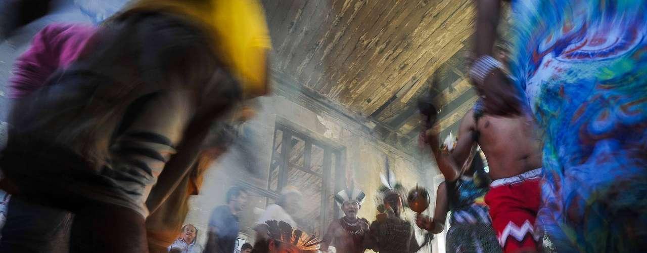Índios da Aldeia Maracanã prometem resistir à desapropriação do prédio do Museu do Índio, localizado ao lado do estádio