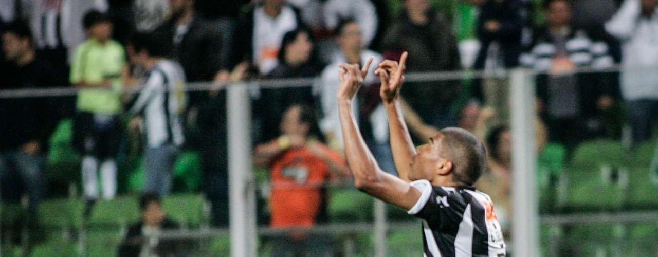 Zagueiro: Leonardo Silva (Atlético-MG)
