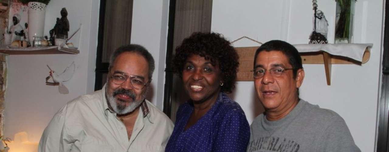 Jorge Aragão e Zeca Pagodinho prestigiaram a festa de Alcione