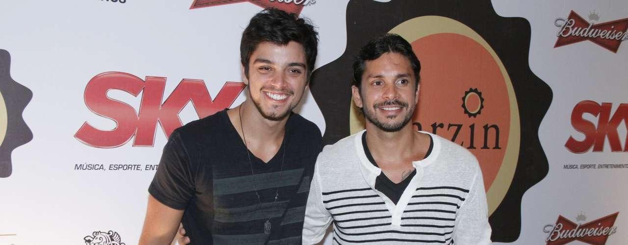 Rodrigo Simas e Igor Sebba em festa do RJ