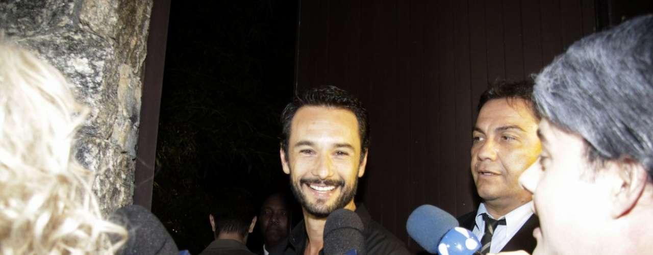 Rodrigo Santoro prestigiou o aniversário da apresentadora
