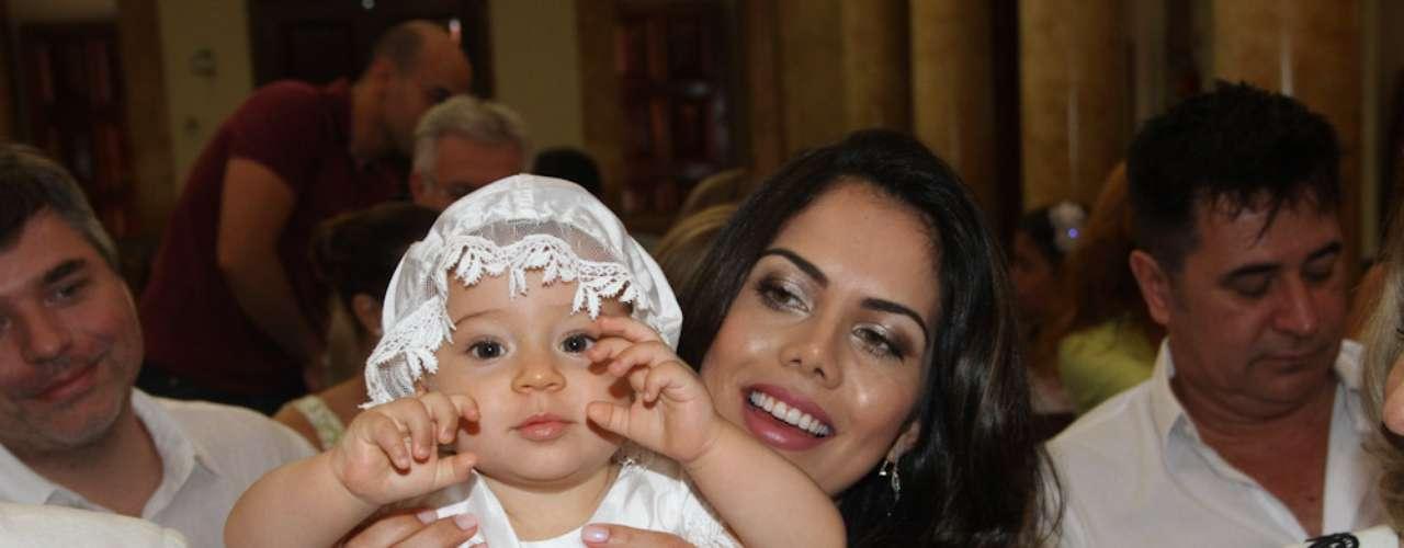 O casal reuniu amigos e familiares na Igreja Nossa Senhora do Rosário da Pompéia, no bairro de Perdizes
