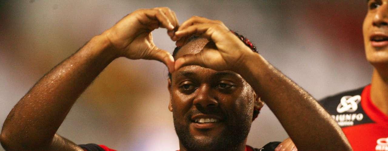 O Flamengo surpreendeu a torcida ao anunciar o retorno deVagner Love aoCSKA Moscou, da Rússia