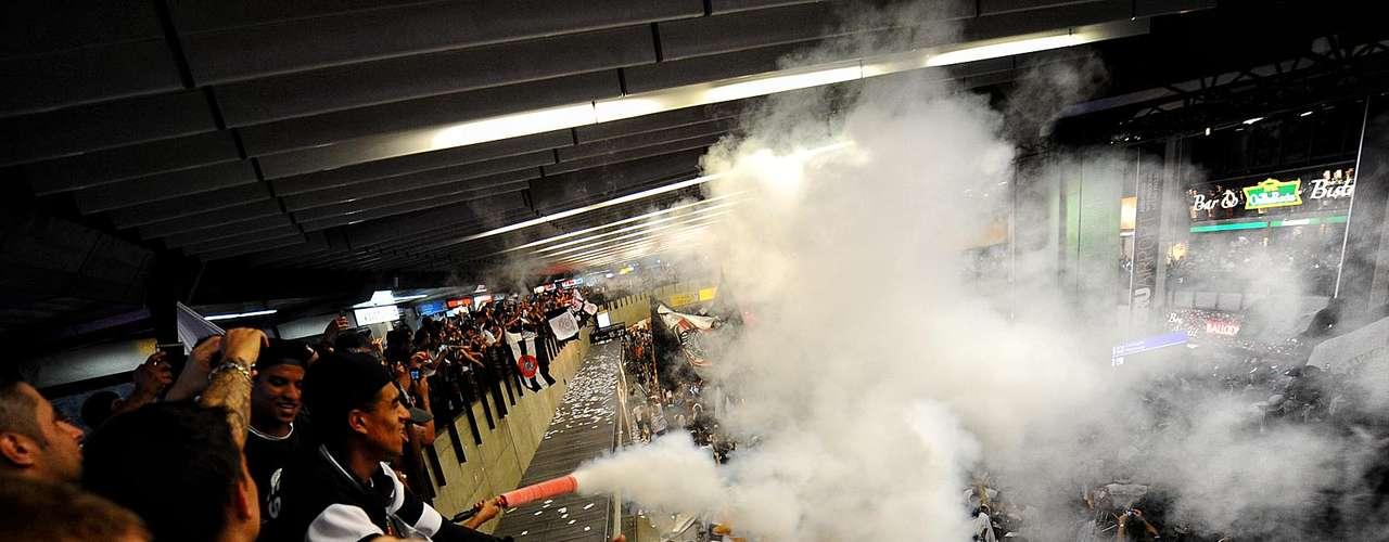Mais de um extintor foi aberto ano aeroporto