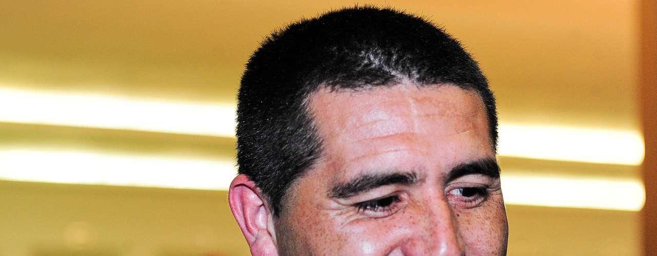 Após deixar o Boca Juniors logo depois da Libertadores 2012, o veteranoJuan Román Riquelme admitiu a chance de jogar no Brasil na próxima temporada. Palmeiras, Santos e Atlético-MG são especulados como possíveis destinos