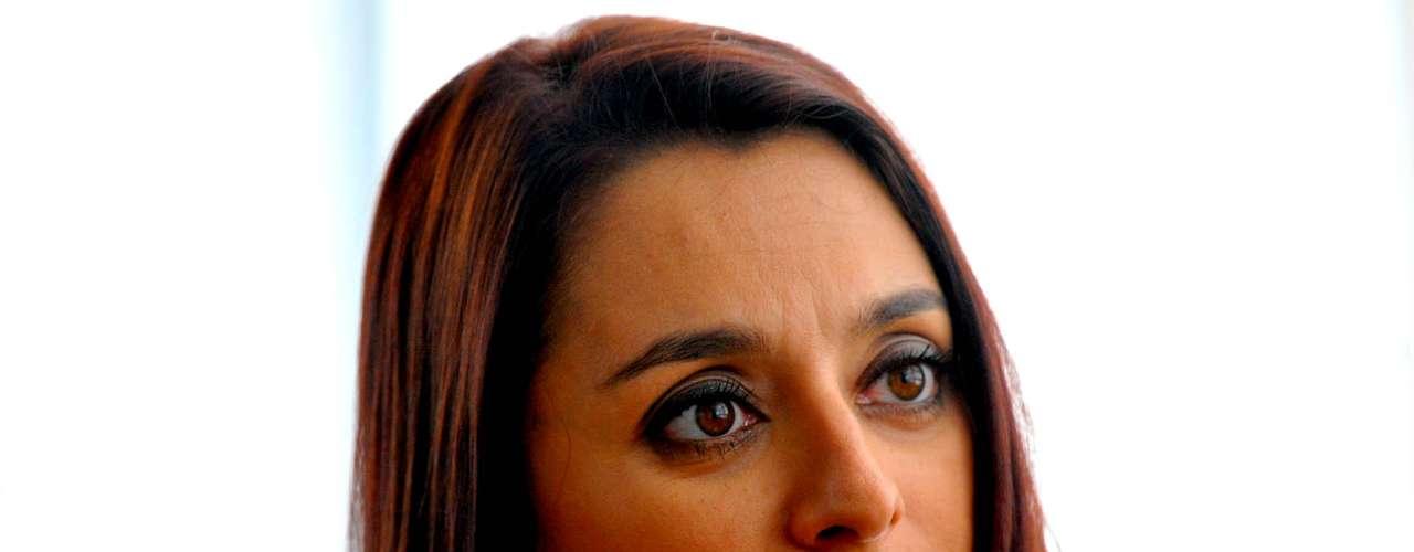 Catia Fonseca, comandante do Mulheres, da TV Gazeta, entra no ar todos os dias às 14h e sai só às 17h50; Terra acompanhou a rotina da apresentadora por trás dos bastidores