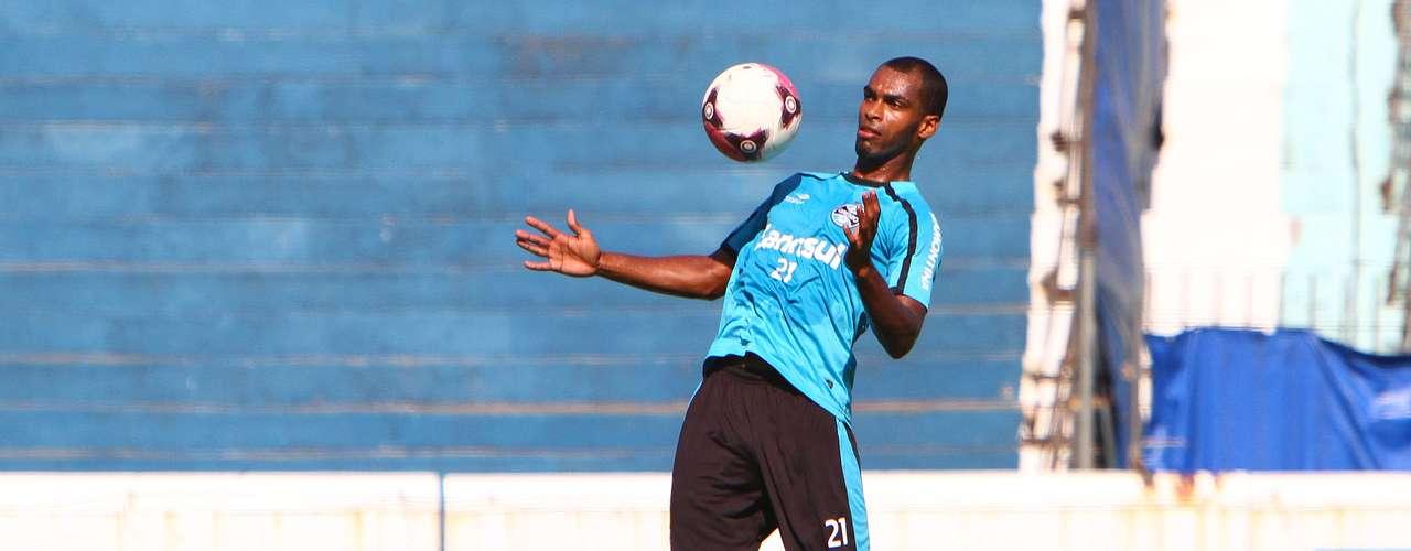 ZagueiroNaldo, do Grêmio,pode se tornar mais um brasileiro a defender aUdinese, da Itália