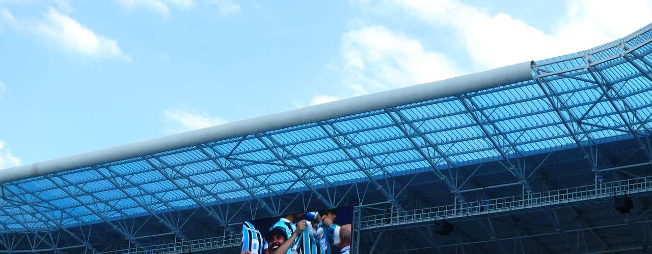 Estádio conta com telões de 96 m², capazes de transmitir imagens com qualidade até durante o dia