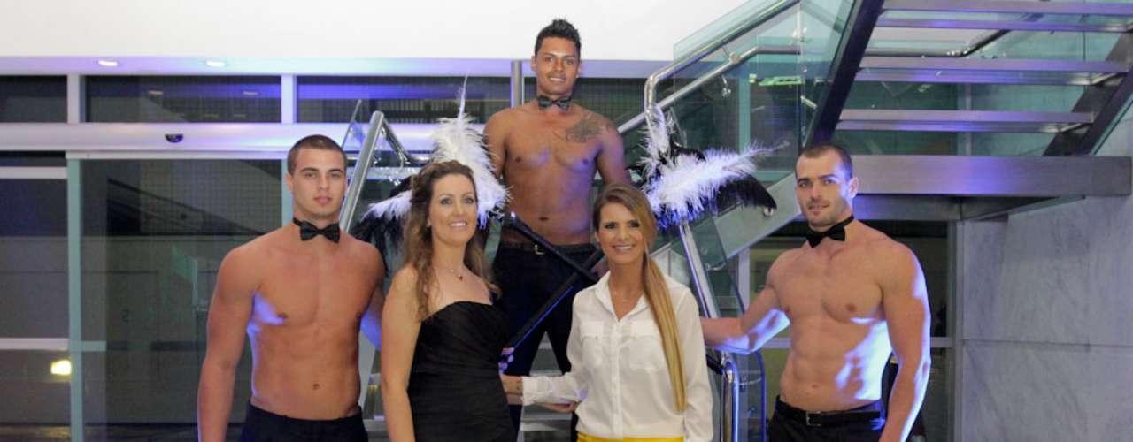 A designer Flávia Fonseca, mulher do cantor Luciano, realizou um desfile com a nova coleção de sua marca de joias Seraceni