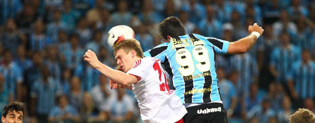 Primeiro gol da história no novo estádio foi marcado por André Lima, aos 9min do primeiro tempo, cabeceando escanteio cruzado pela direita por Zé Roberto