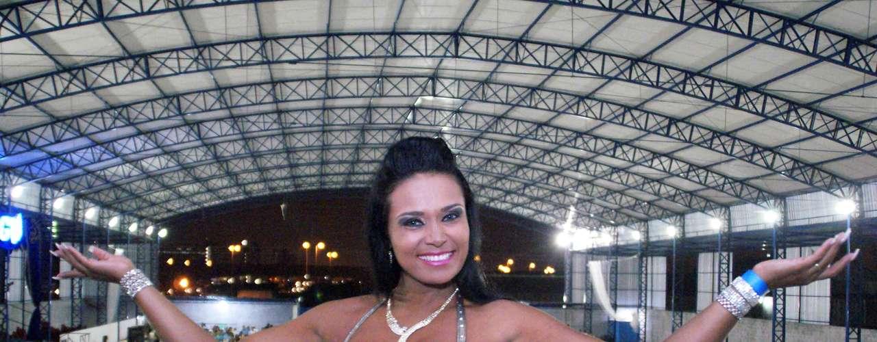 Andrea Martins, musa da escola