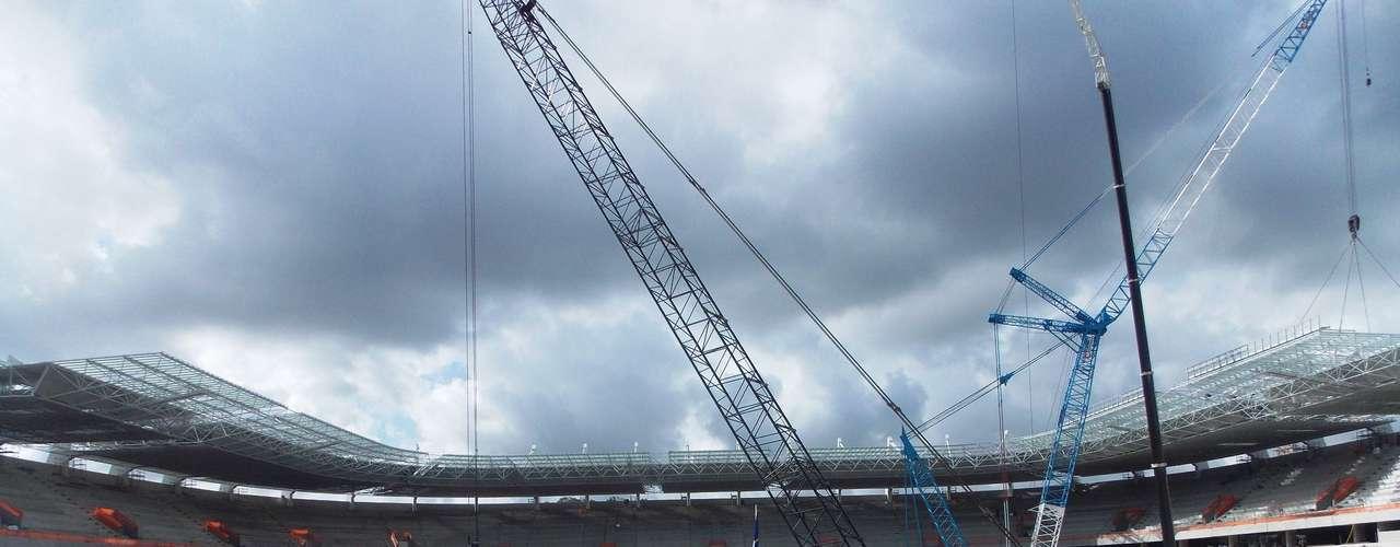 13 de dezembro de 2012: com 77% de conclusão, a Arena Pernambuco planeja terminar o ano de 2012 com um índice de 85% de avanço; a expectativa inicial era de que o estádio fosse concluído antes da mudança de ano