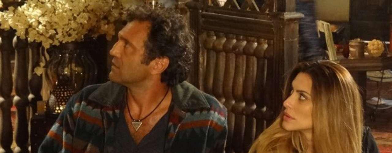 Bianca e Zyah são desmascarados por Vó Farid, que sempre desconfiou do envolvimento dos dois