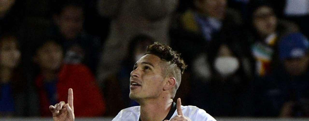 Herói do título mundial do Corinthians, o centroavantePaolo Guerrero despertou o interesse de ninguém menos que a \