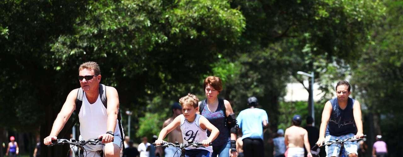 24 de dezembro Os termômetros no Parque do Ibirapuera chegaram a marcar 32ºC