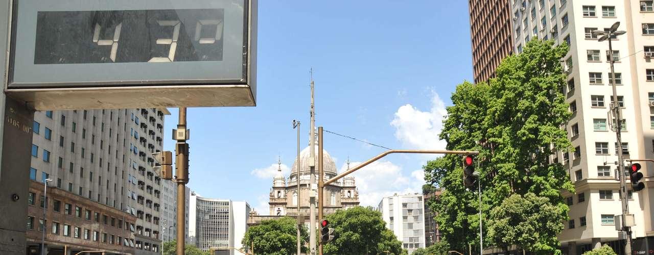 26 de dezembro - Rio de Janeiro tem a temperatura mais alta em quase 100 anos: termômetros marcaram 43 graus