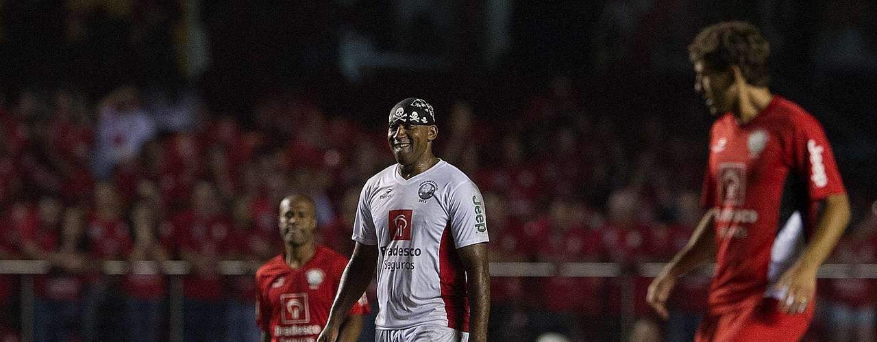 Aos 44 anos, o centroavante Viola é o novo reforço do Grêmio Osasco para a Série A2