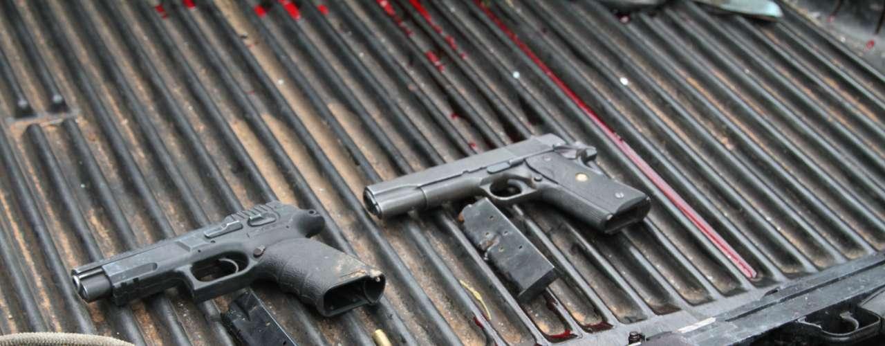 Pistolas foram encontradas pela polícia na perseguição pelos bandidos