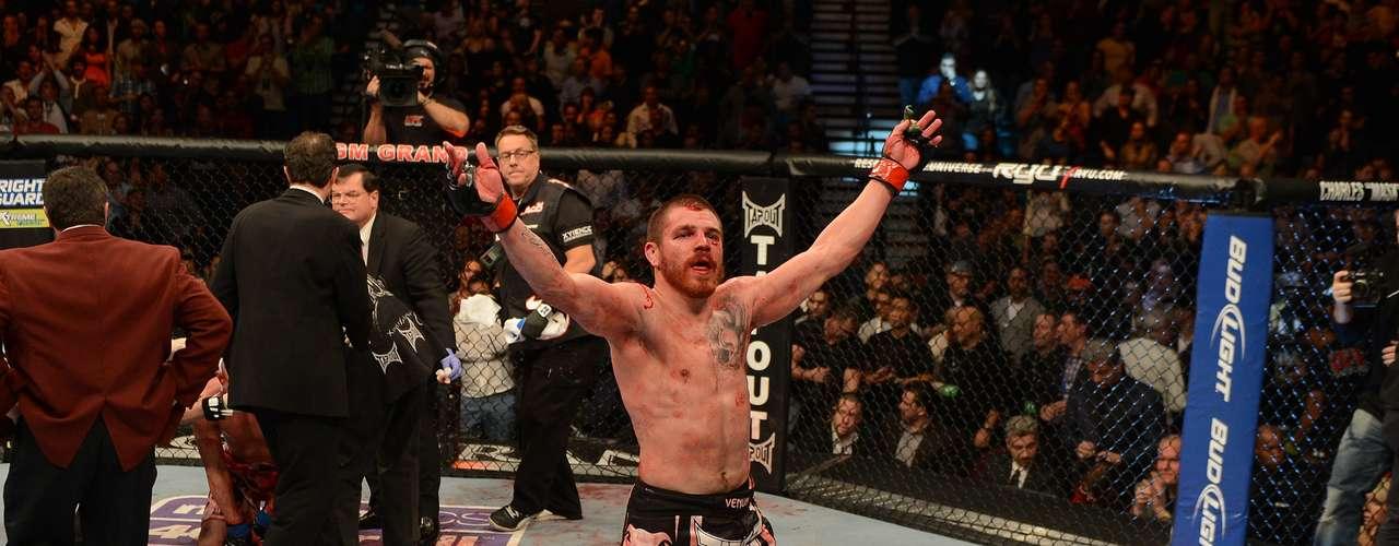 A luta foi equilibrada e Miller conseguiu sua vitória por decisão unânime  (29/28, 29/28 e 29/28)