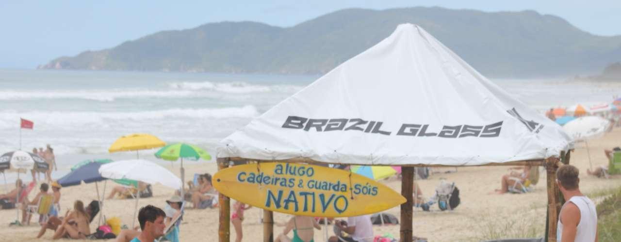 Milhares de turistas continuam chegando ao Estado para as festas de Réveillon, principalmente na capital Florianópolis e em Balneário Camboriú
