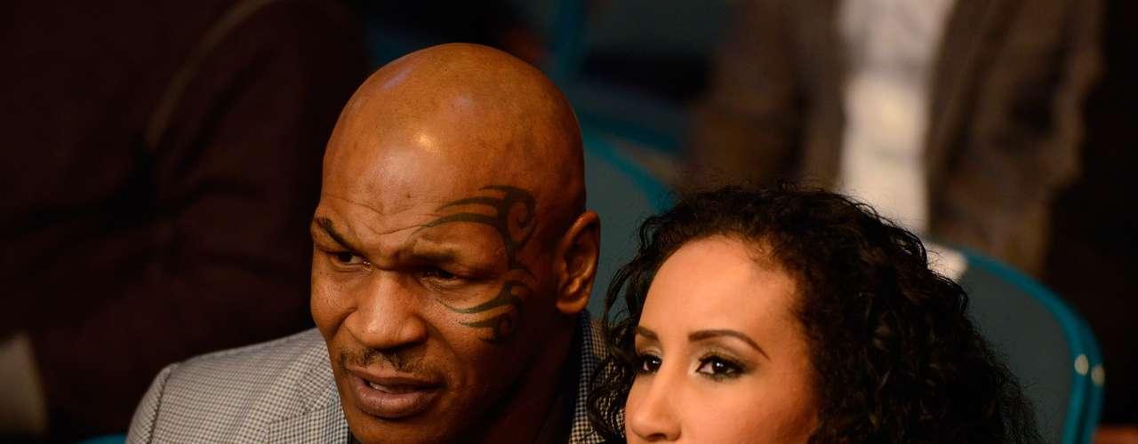 Ex-boxeador Mike Tyson marcou presença no UFC 155
