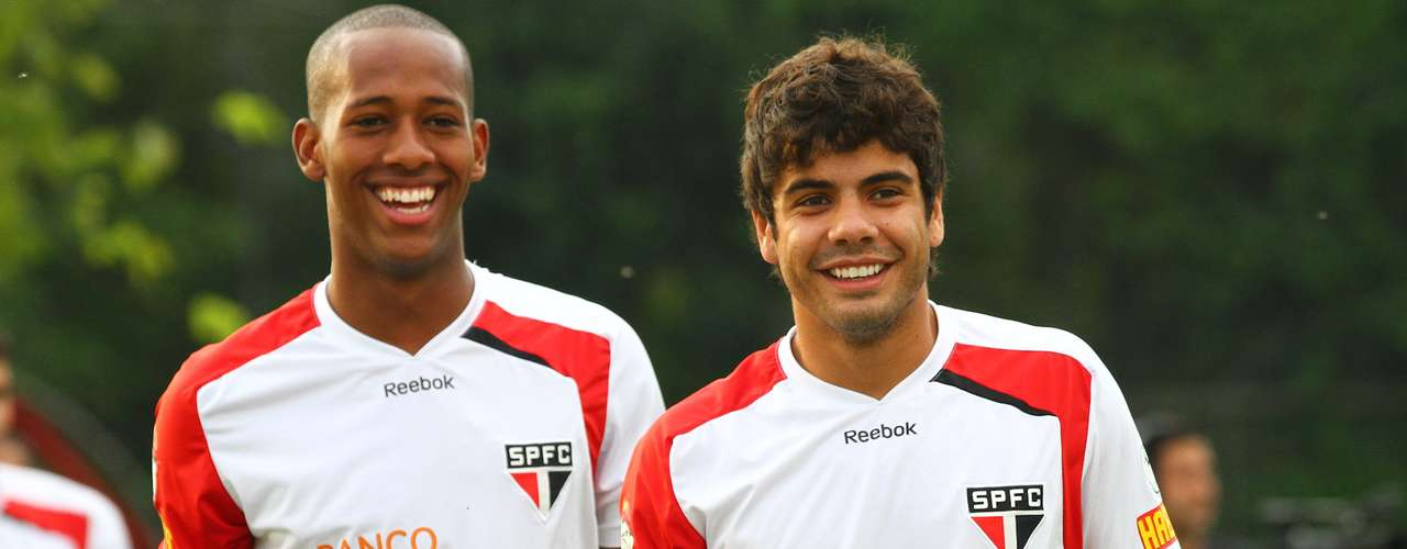 Revelado pelo São Paulo, o atacante Henrique (à direita) foi contratado pelo Botafogo