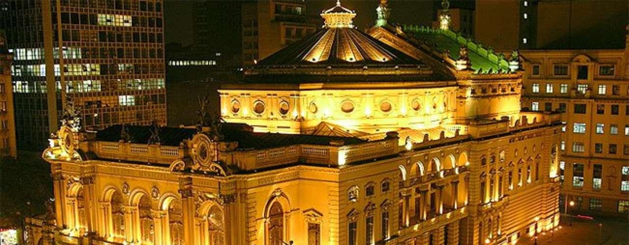 5. Teatro Municipal - \
