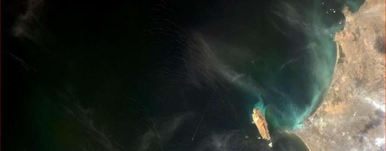 A baía de Callao, no Peru - onde o navio Beagle, de Charles Darwin, parou em busca de provisões em 1835 - foi registrada diretamente do espaço no dia 17 de janeiro