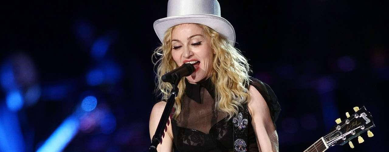 97ª: Madonna - cantora, ex-affair do ex-jogador de basquete Dennis Rodman e dos jogadores de beisebol Alex Rodriguez e Jose Canseco
