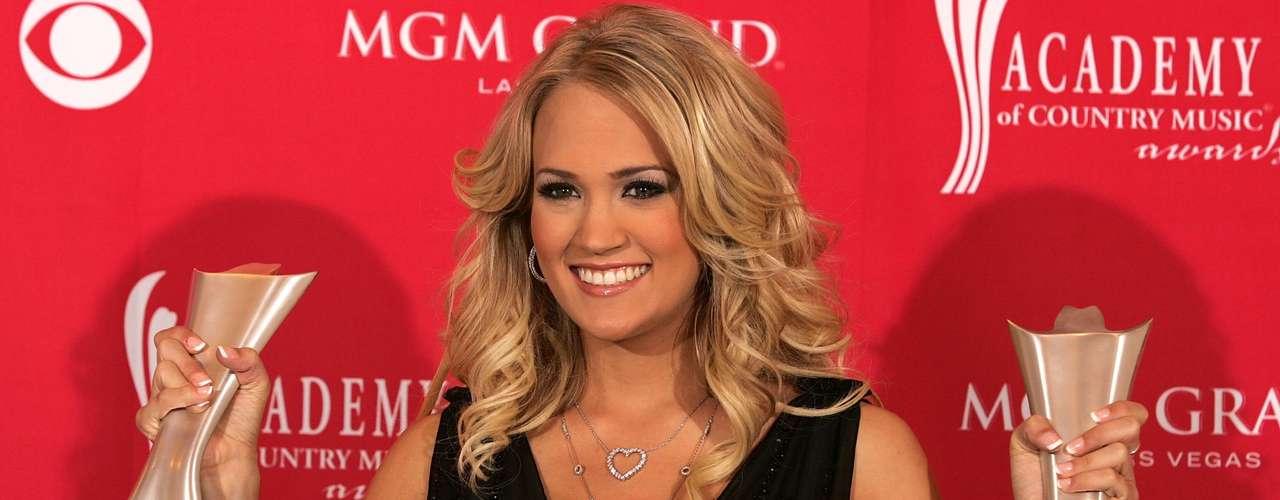 32ª: Carrie Underwood - cantora, ex-namorada do quarterback Tony Romo e mulher do jogador de hóquei no gelo Mike Fisher