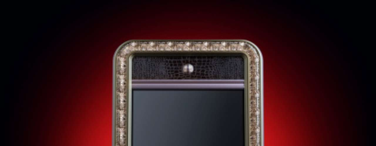 Um iPhone decorado com diamantes