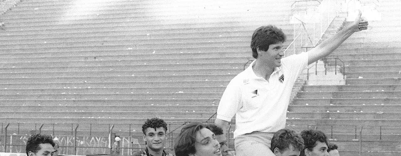 Campeão da Copa São Paulo (1993) Pelos juniores da equipe tricolor, Rogério conquistou a Copa São Paulo como titular. Com 20 anos, o goleiro já havia sido relacionado para algumas partidas do time principal