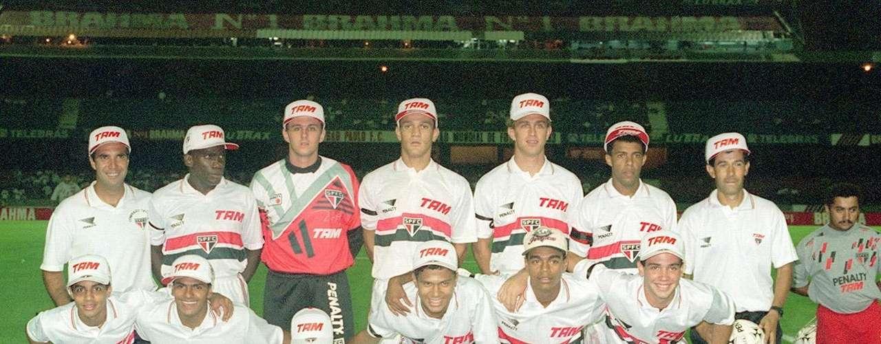 Campeão da Copa Conmebol (1994) O primeiro título de Rogério como titular do São Paulo entre os profissionais foi no \