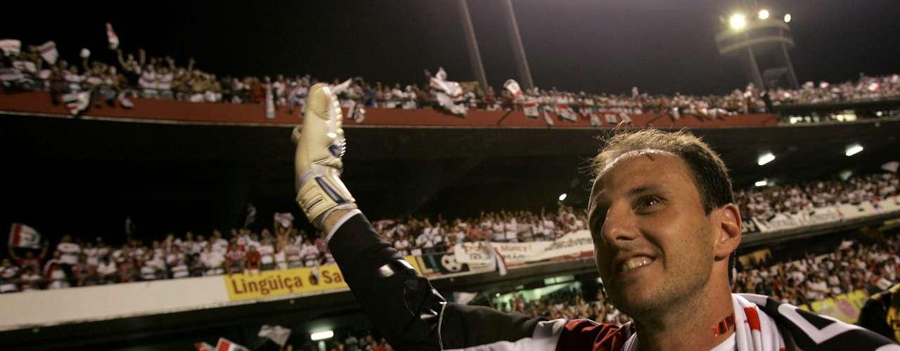 Bicampeão brasileiro (2007) Liderado por Rogério, o São Paulo \