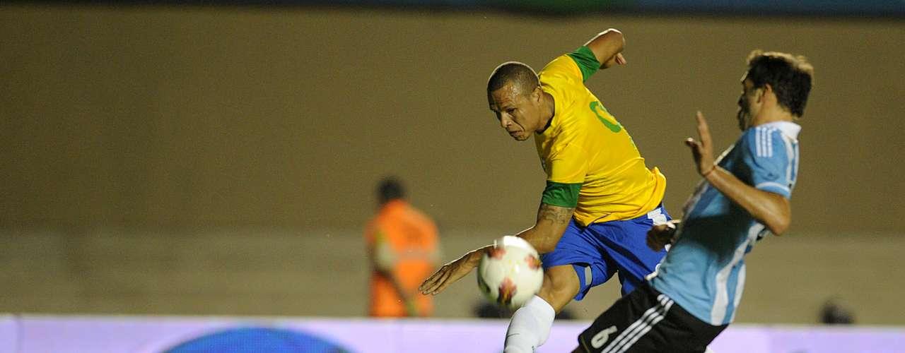 Atacantes: Luís Fabiano (São Paulo)