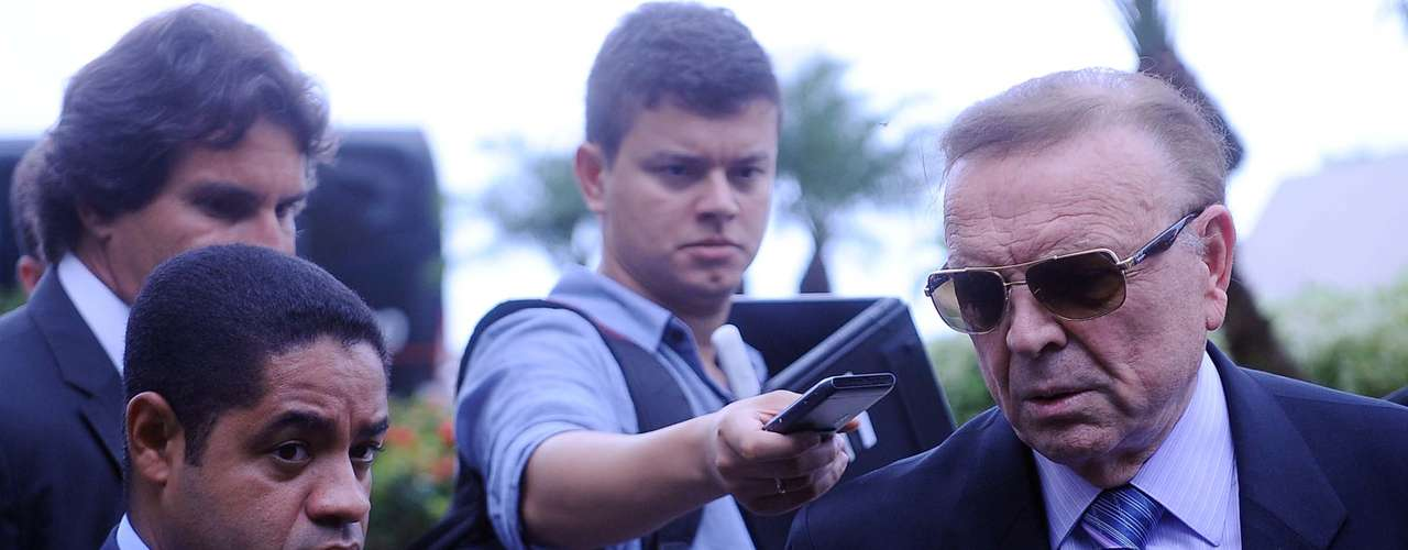 Mesmo fora do País e afastado dos holofotes do futebol, Teixeira recebe R$ 100 mil mensais da CBF