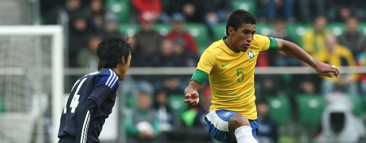 Volantes: Paulinho (Corinthians)