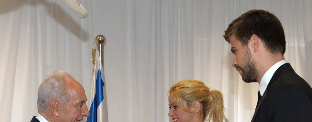 Em junho de 2011, Shakira e Piqué visitaram Israel e conheceram o presidente do país, Shimon Peres