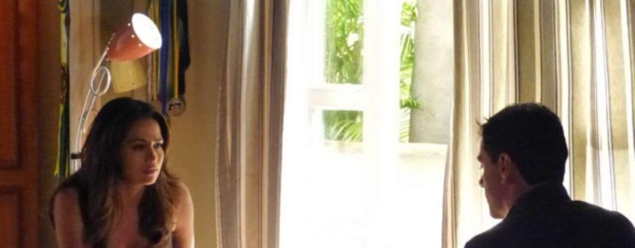 Morena (Nanda Costa) avisa Théo (Rodrigo Lombardi) que voltará para a Turquia junto com Lívia (Claudia Raia) e ele pede que a namorada se afaste da empresária