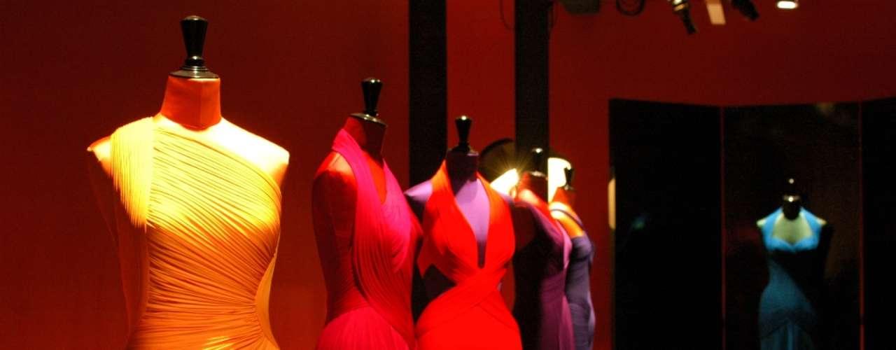 Hervé L. Leroux apresentou 12 vestidos em seu showroom nesta quinta-feira (24), dentro da programação oficial da semana da alta costura, em Paris