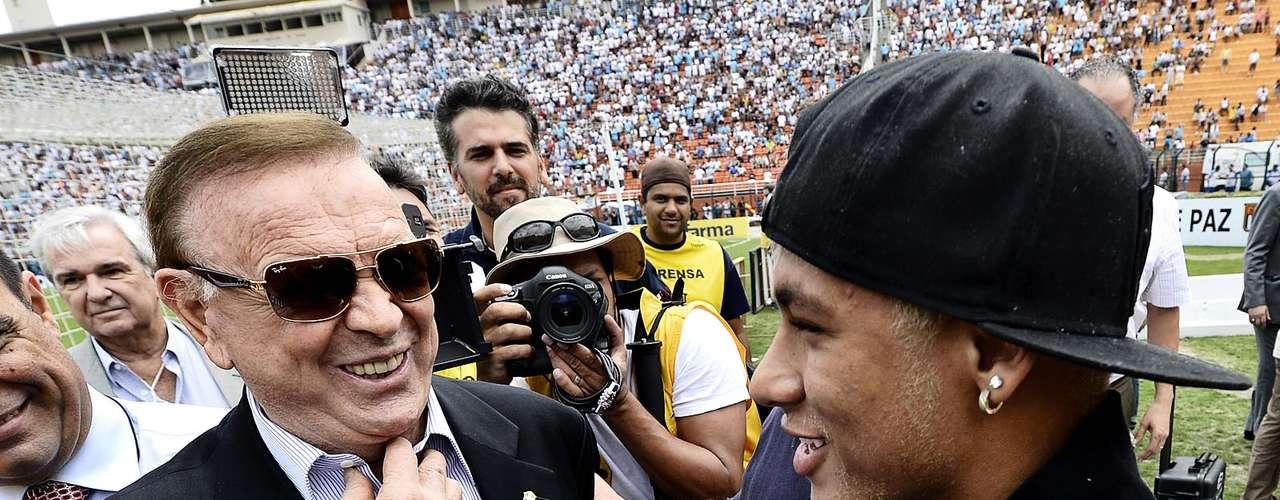 Neymar arranca risos do presidente da CBF, José Maria Marin