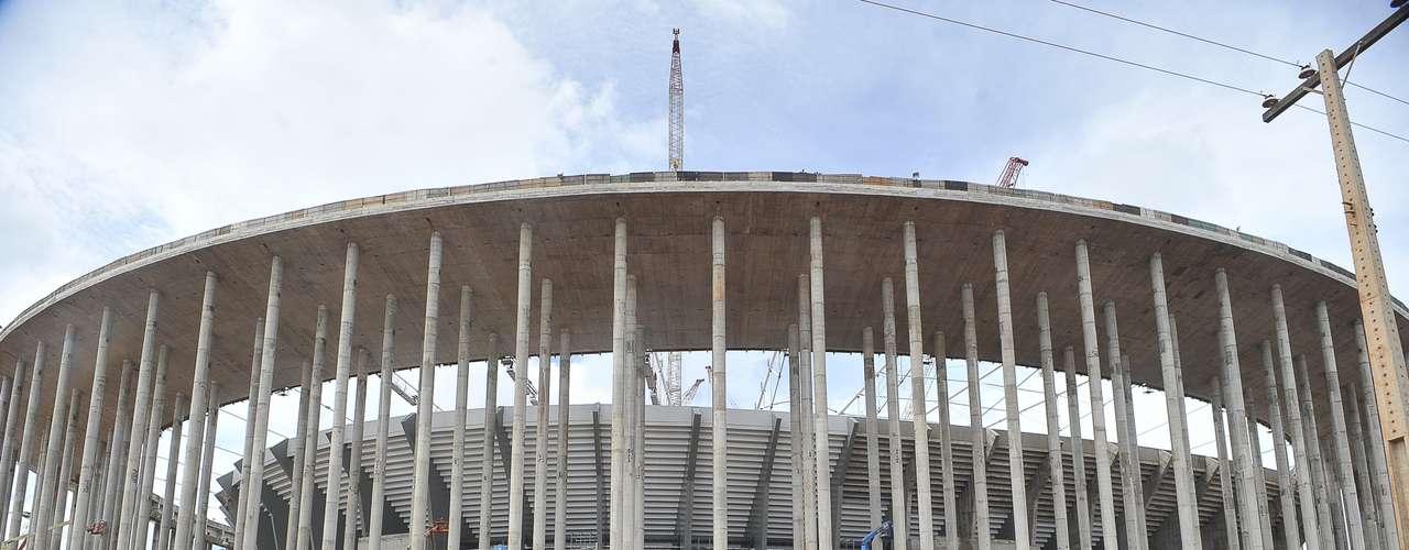 28 de janeiro de 2013: Atualmente, o Estádio Nacional apresenta, de acordo com o governo federal, está 87% concluído